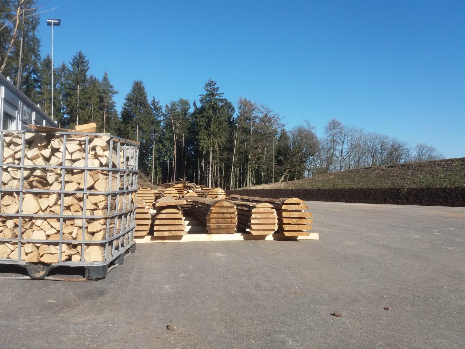 holzprodukte-eichenstmme-und-ofenholz